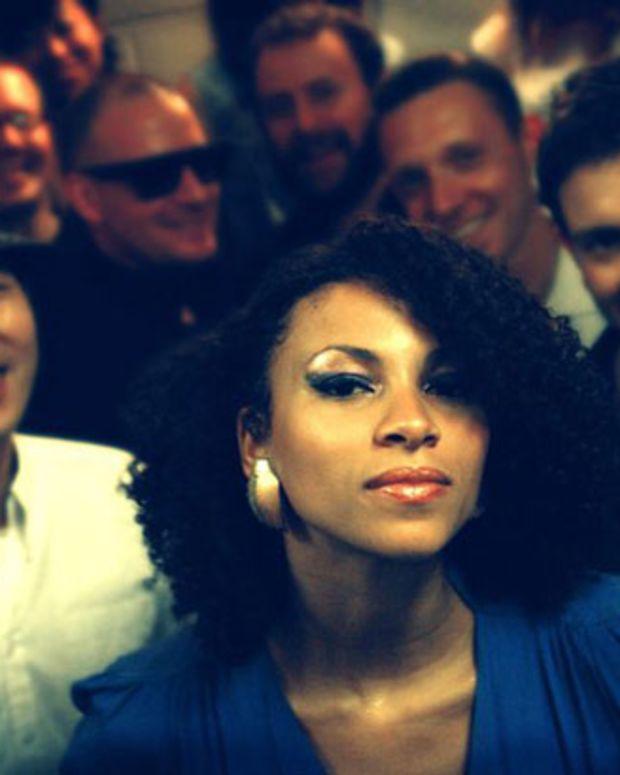"Free Download: Escort ""Camèleon Chameleon"" Black Russian Remix"