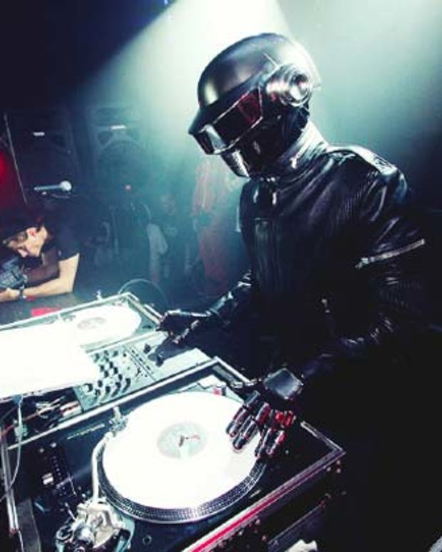 Listen: Classic Daft Punk House Music Mix from Winter Music Conference 2000