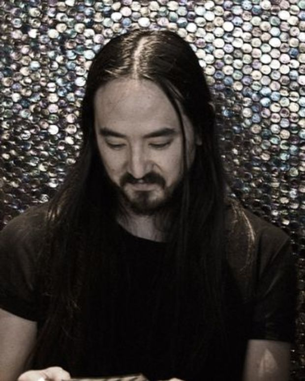 """EDM News: New Electronic Music From Steve Aoki and Travis Barker- The """"Push 'Em"""" Remix (Originally By Travis Barker And Yelawolf)"""