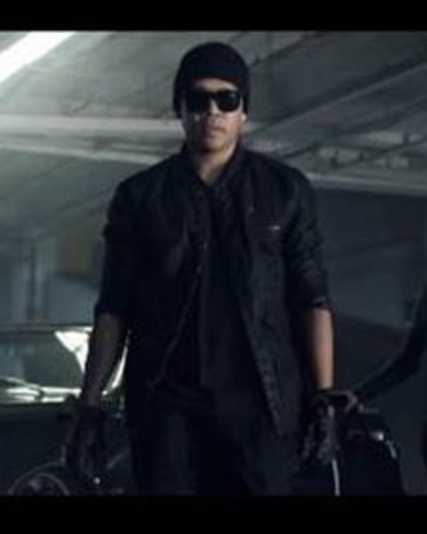 """EDM News: Chuckie's New Video For """"Making Papers"""" Mashes Up Street Hustling With EDM Culture"""