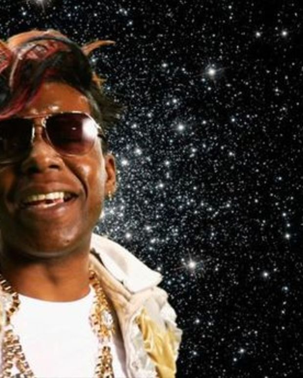 "EDM Culture: Queen Diva Of Bounce Big Freedia Wants To Give Miley Cyrus Some ""Ass Lessons"""