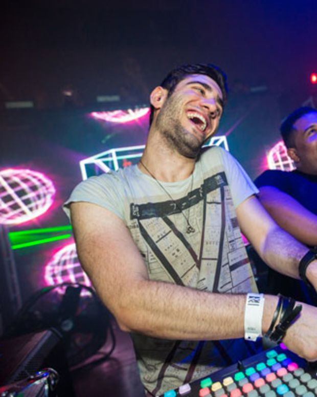 EDM News: 3lau Announces New Tour Plans And Contest To Win His Custom Casio XW-P1 Keyboard