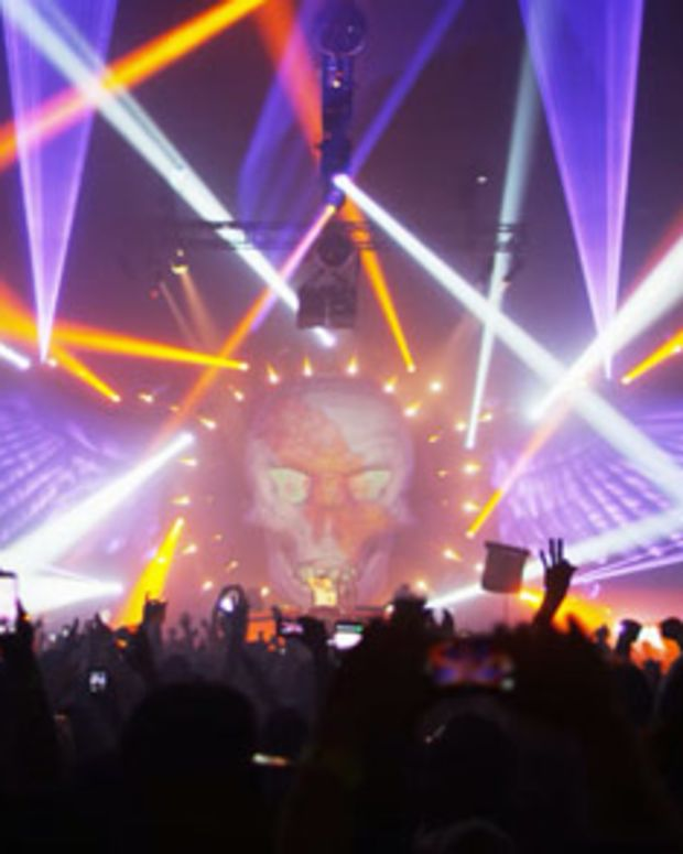 Q-Dance Offical Aftermovie Delivers Important Message To Los Angeles Fans - EDM News