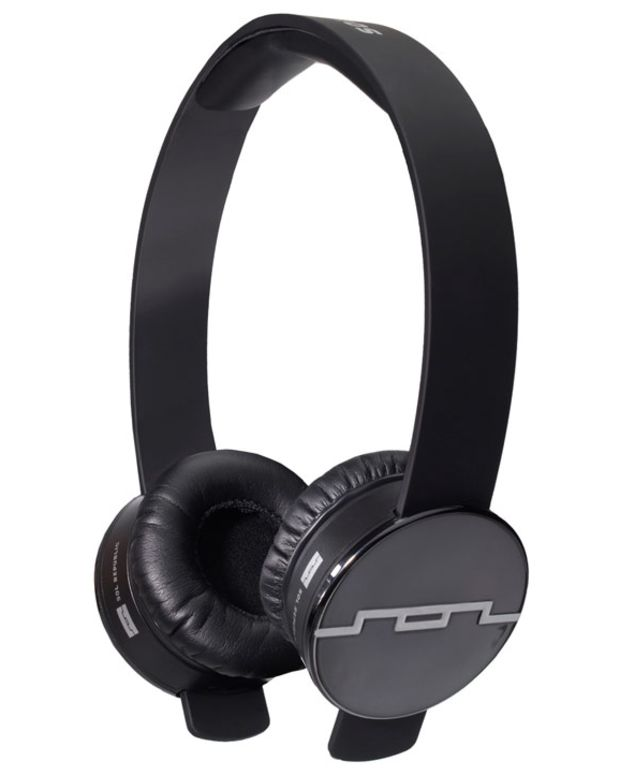 Gear Gift Guide: The Top 5 Headphones For That Perfect Someone
