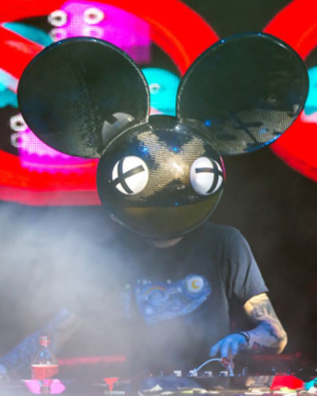 """deadmau5 """"Cleans Up The Foam"""" With Techno Set In Ibiza"""