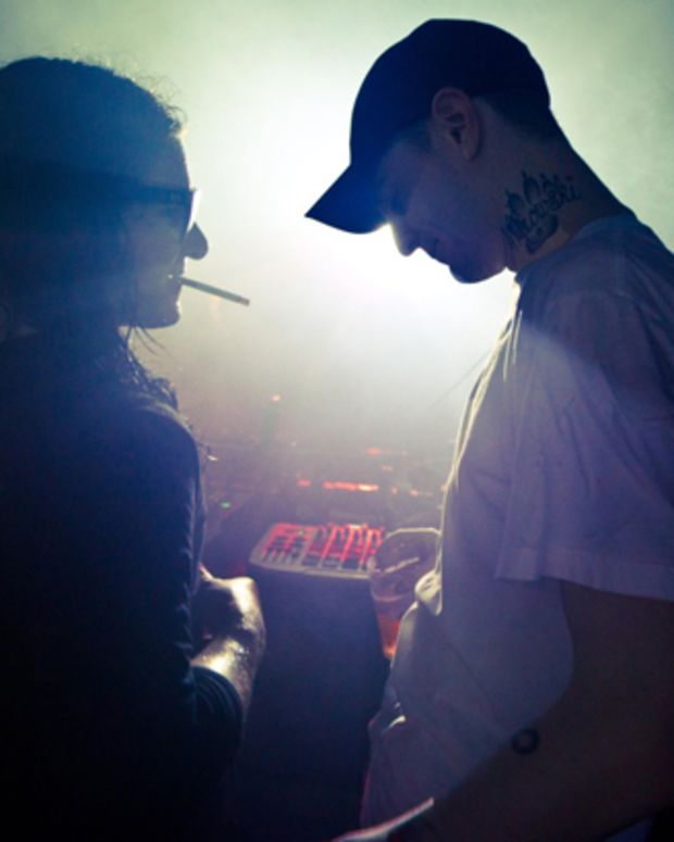 Skrillex & deadmau5 Throw Shade On EDM Blogs; the mau5 Starts His Own