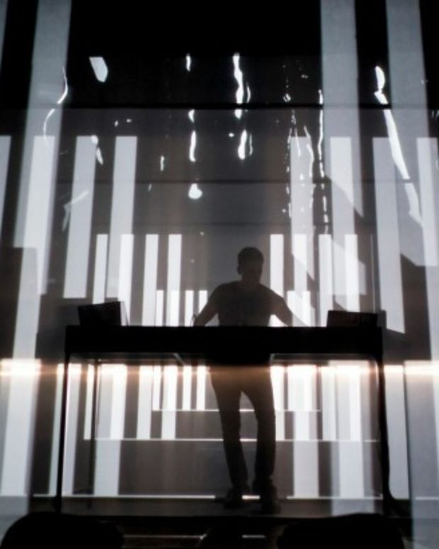 "New Dubfire Audiovisual Tour ""Unlike Anything"""