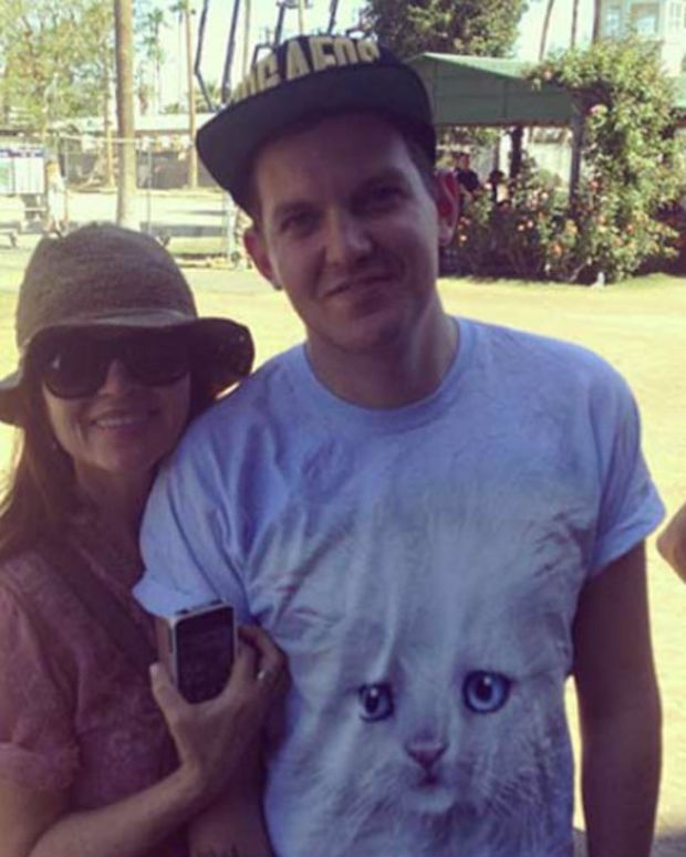 20 Hilarious Tweets From Dillon Francis About Moms