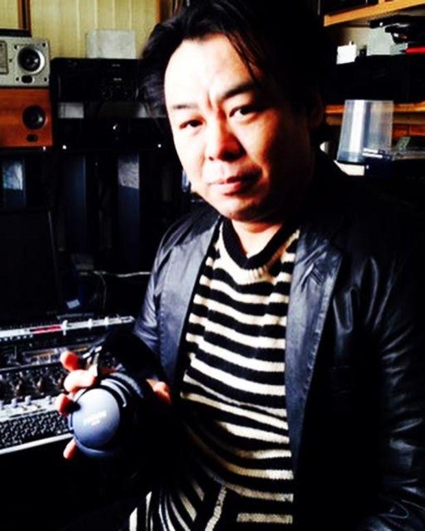 Isao Kumano with the SMB-02 at the phonon studio