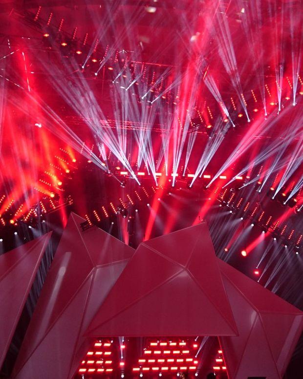 lightshow-1573327_1280