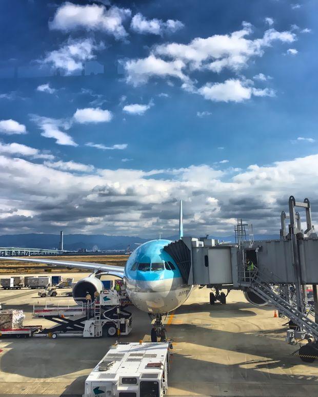 plane-2077178_1280