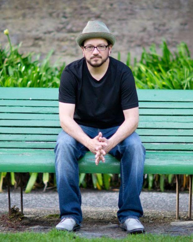 mark_farina_great_lakes_audio_mushroom_jazz_editorial_photo_2013_green_park_bench.jpg