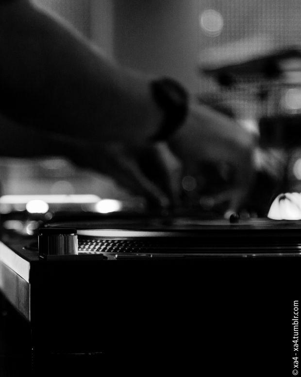DJ, turntable, vinyl