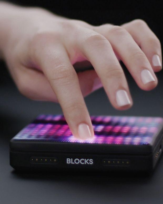 ROLI Lightpad M – Product Dark 04 Low Res