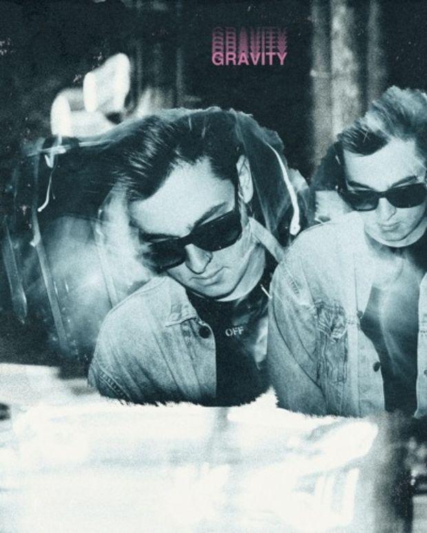 Diamond Pistols Gravity