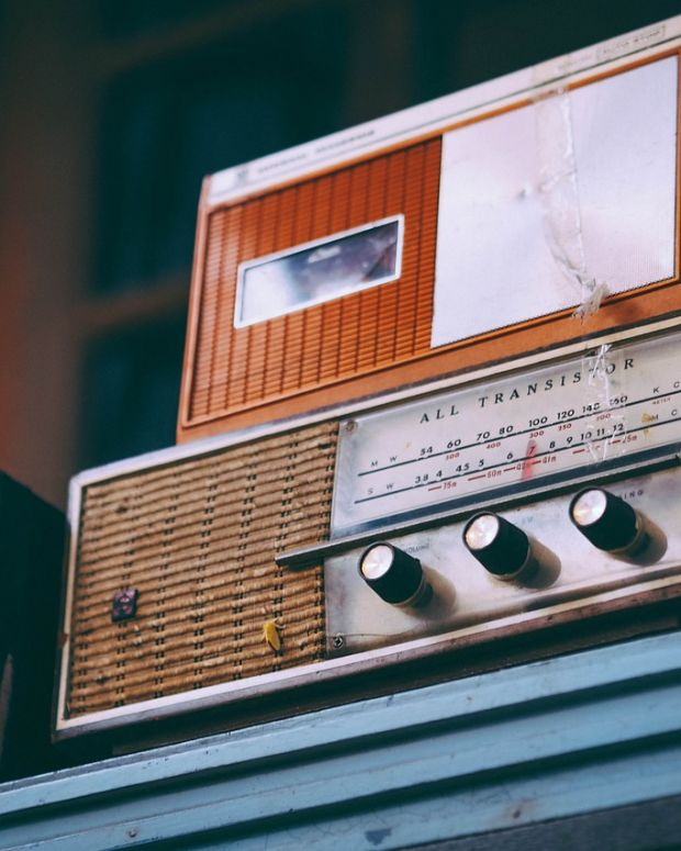 radio-2974649_1280