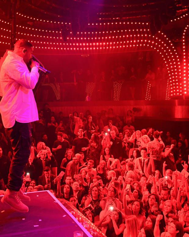 Drake Performance 5_JEWEL Grand Opening Weekend_Denise Truscello.jpg