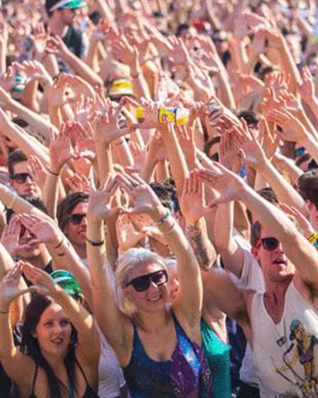 http-__makeagif.com_media_12-07-2012_YMzK7e