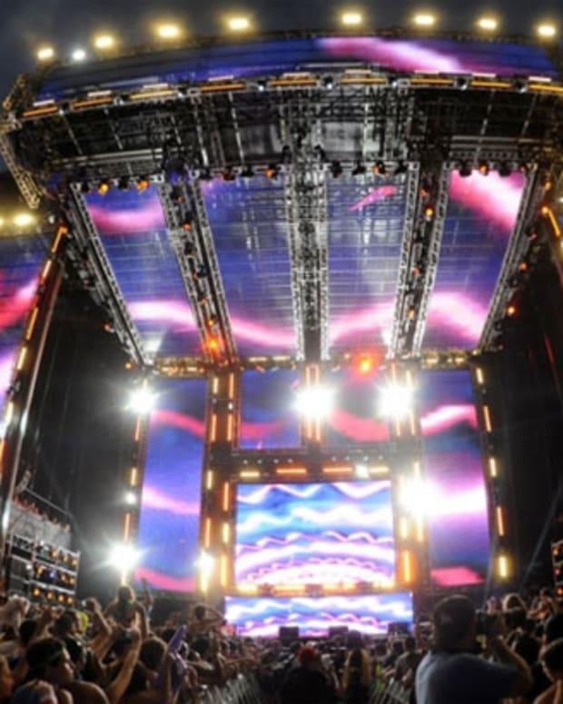 "EDM Download: Tiesto, Quintino and Alvaro ""United (Ultra Music Festival Anthem)"""