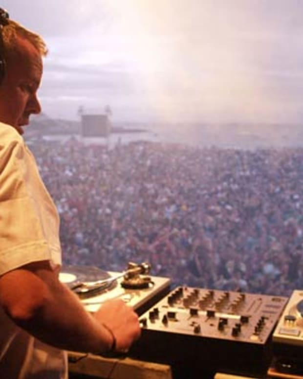 "Free Download: ""Get Down And Jump Into The Middle"" Fatboy Slim Edit"