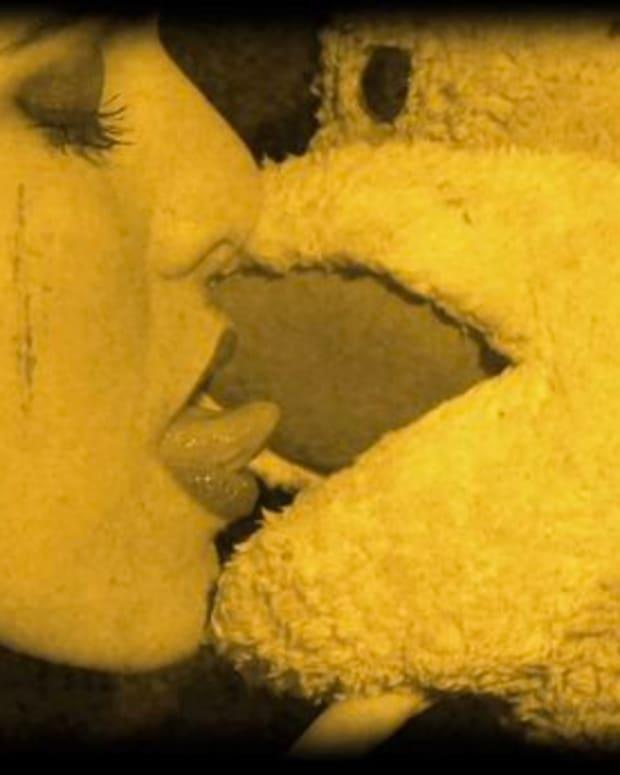 "EDM News: Tommy Trash's New Video ""Monkey In Love""; Picks Up Where ""Monkey See Monkey Do"" Left Off"