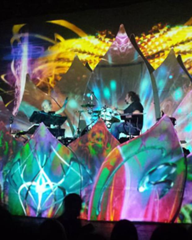 Eoto And ill.Gates At the Fonda Theater In Hollywood - EDM News