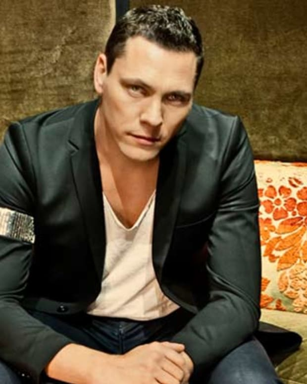 Tiësto Hospitalized After On Stage Head Injury, Tonight's Los Angeles Set Cancelled