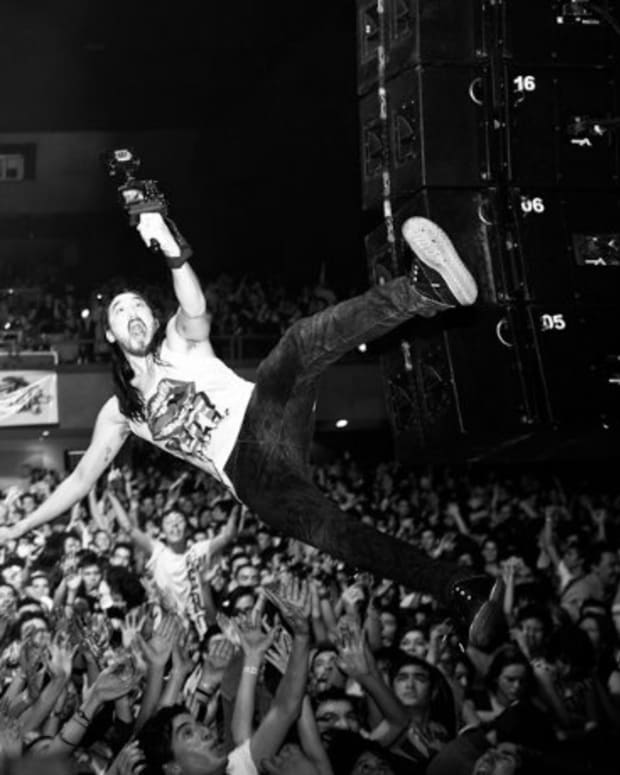 Steve Aoki Being Sued And Taken To Court After Breaking Girl's Neck At Concert