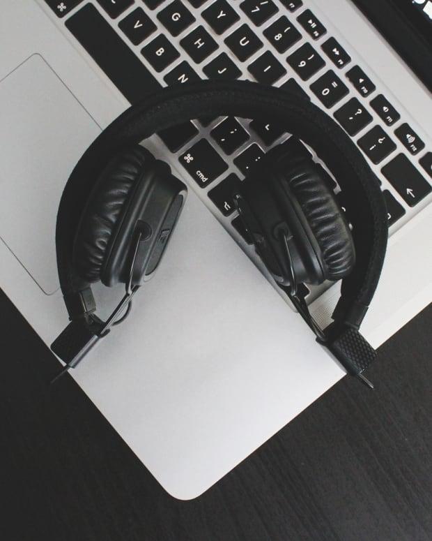 Mac and Headphones