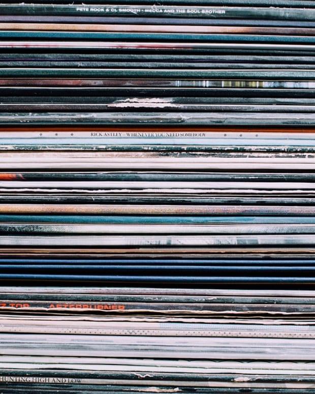 vinyl stacked