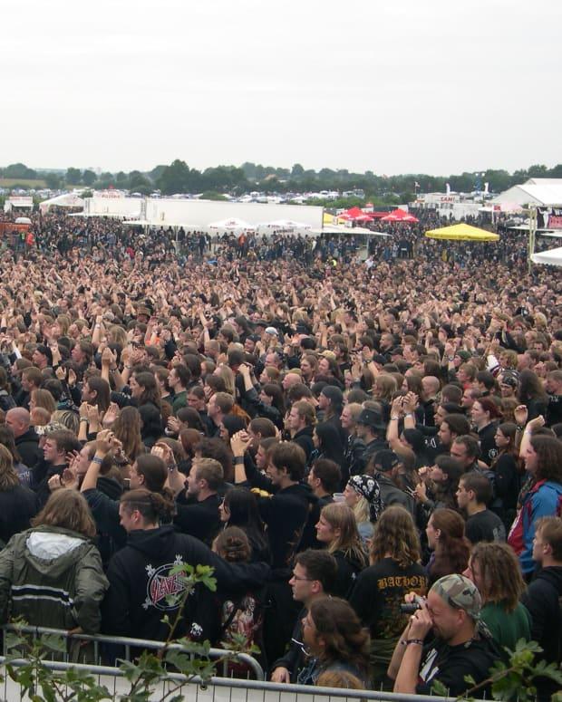 crowd (photo by Anton Perc)