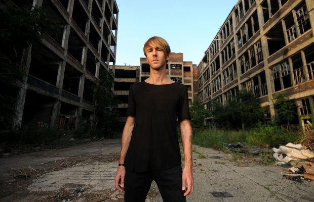Watch Richie Hawtin Give MODEL 1 Tutorial at Halcyon Record Shop in Brooklyn