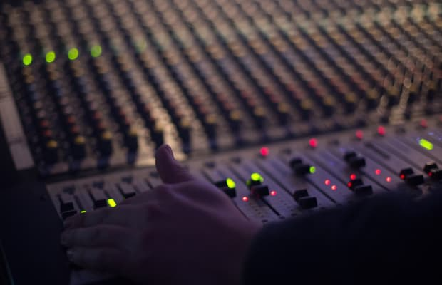 Current Vibes Interview & Playlist: Lulleaux
