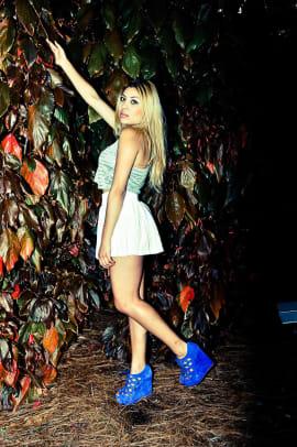 White Linen Skirt: H&M | Silver Top: Forever 21 | Royal Blue Shoes: Steve Madden