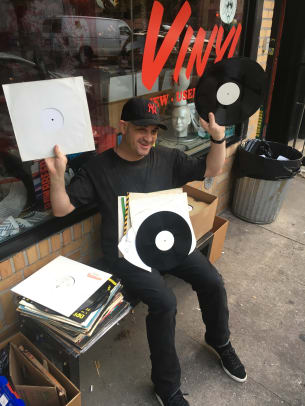 Frankie Bones Holding up records
