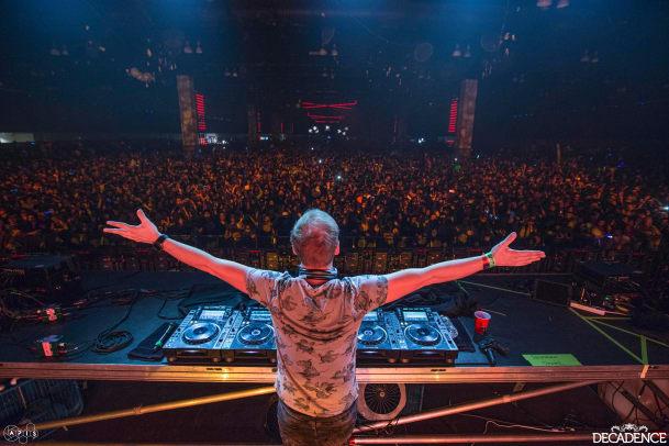 Decadence Final Night 2 Armin van Buuren-63