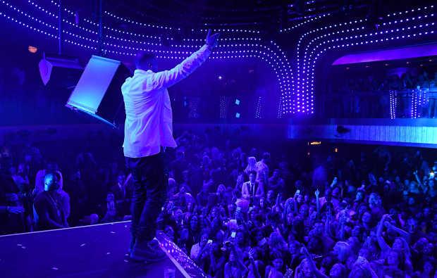 Drake Performance 4_JEWEL Grand Opening Weekend_Denise Truscello.jpg