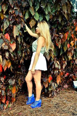 White Linen Skirt: H&M   Silver Top: Forever 21   Royal Blue Shoes: Steve Madden