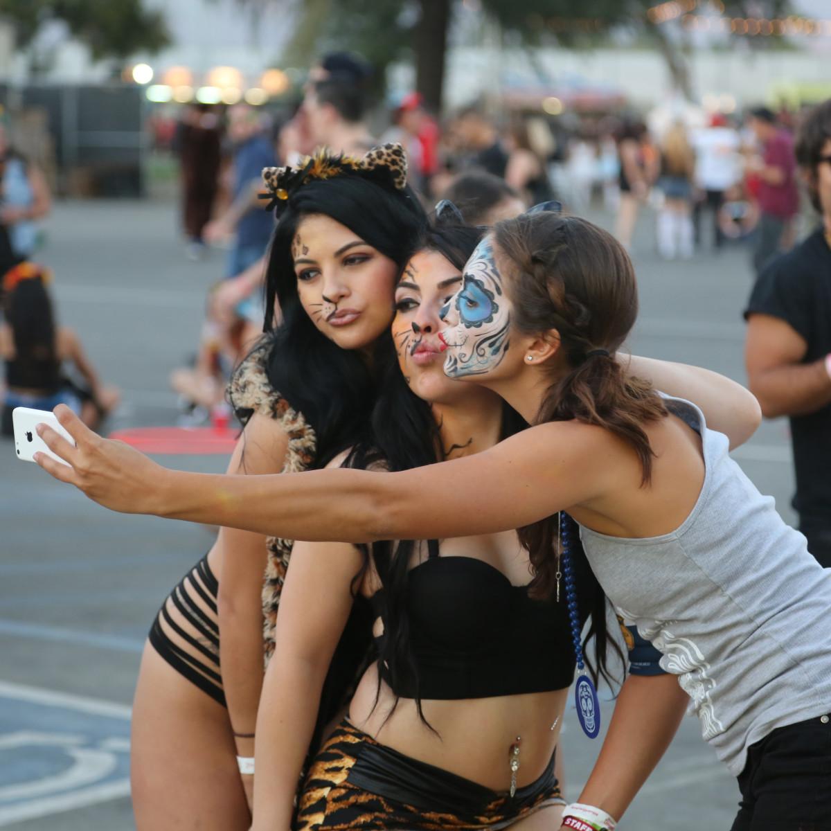 Selfie HARD DOTD 2015