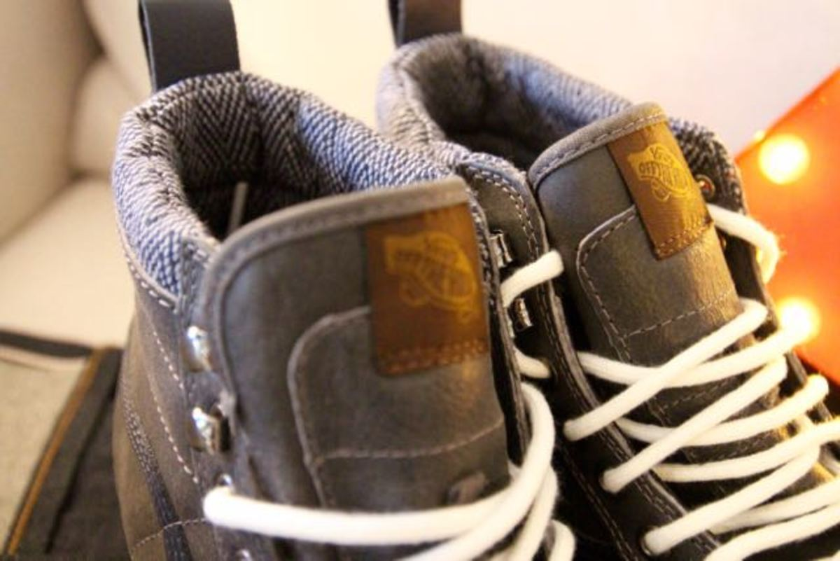 Nice tweed details and pull tabs on the Vans MTN Edition SK8-Hi