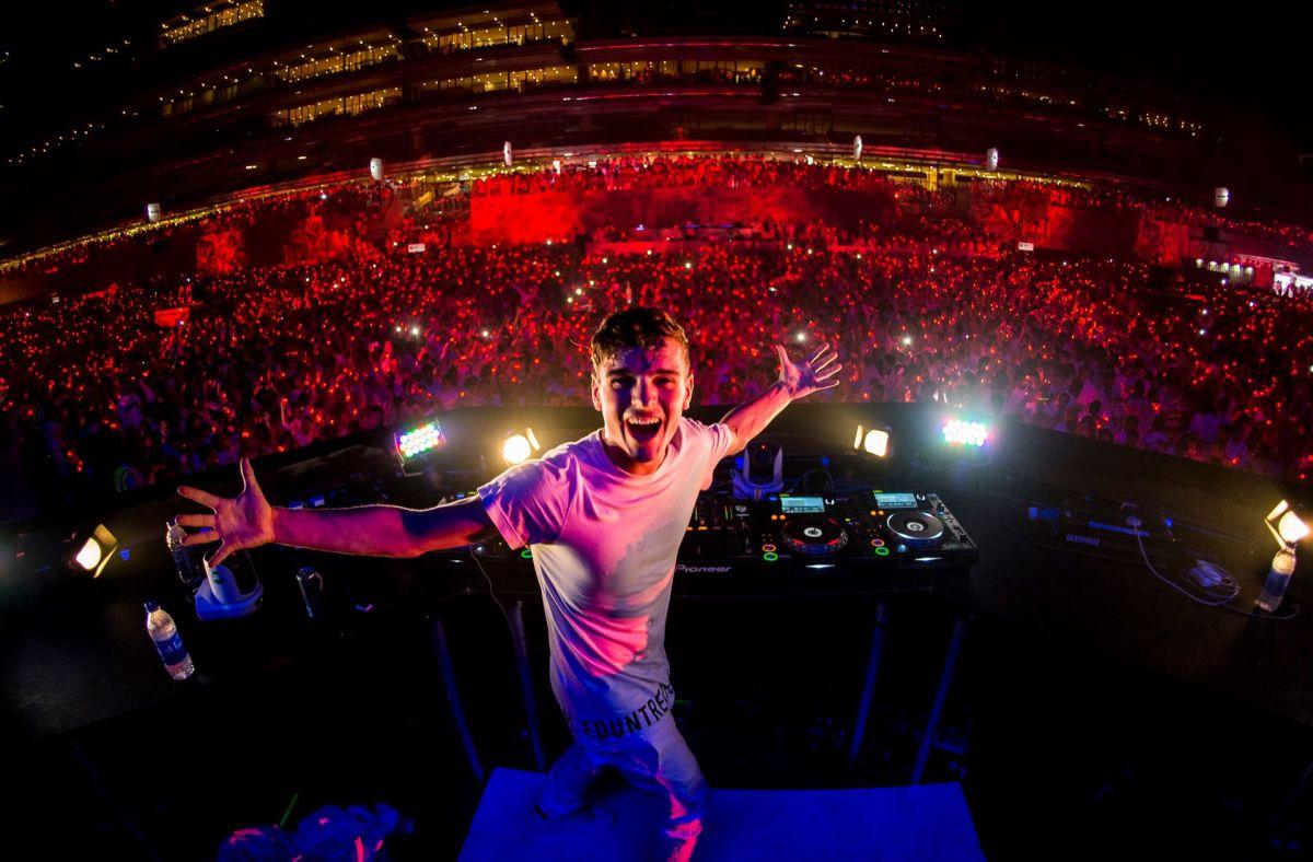 Martin-Garrix-at-Sensation-Dubai-2014.jpg