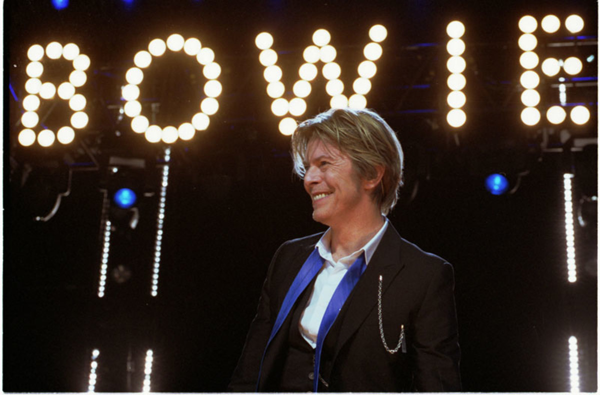 David Bowie performs at Tweeter Center outside Chicago in Tinley Park,IL, USA on August 8, 2002. Photo by Adam Bielawski