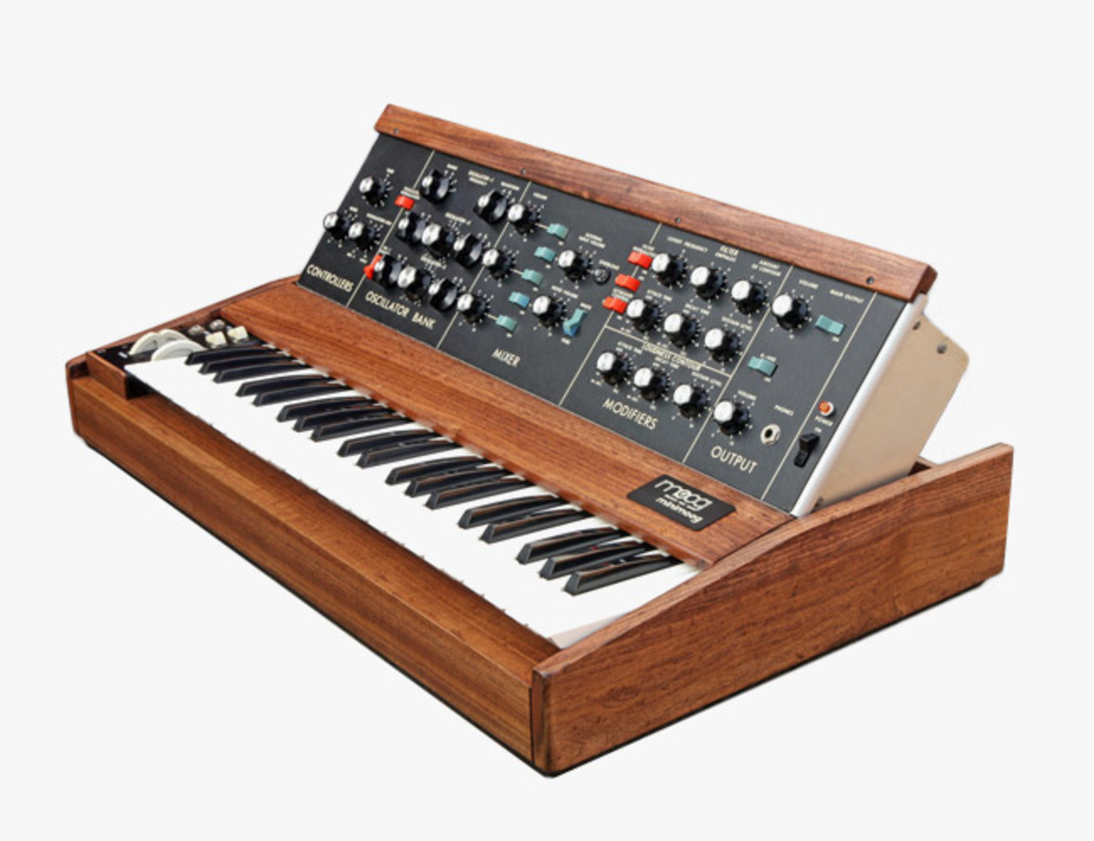 electronic-music-gear-patrol-minimog.jpg