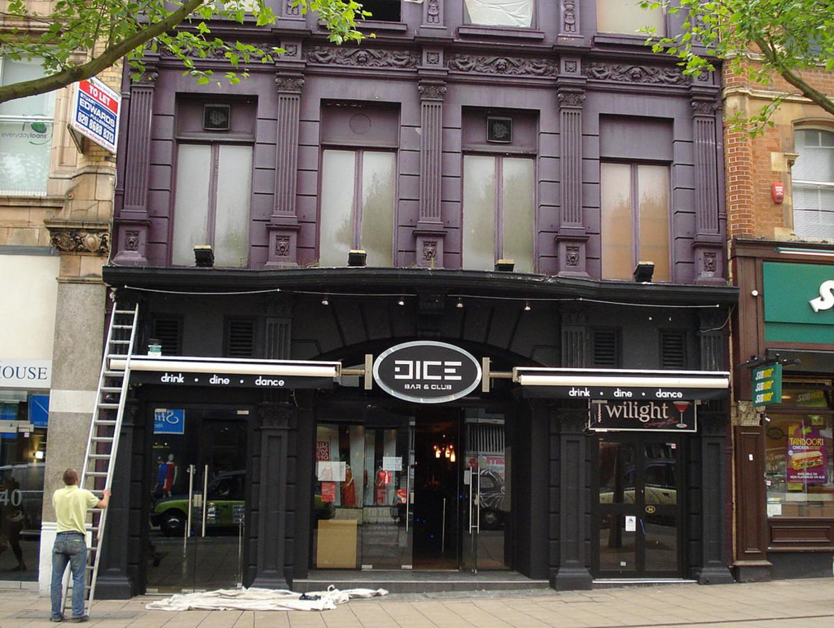 Dice Bar & Club (photo via flickr)