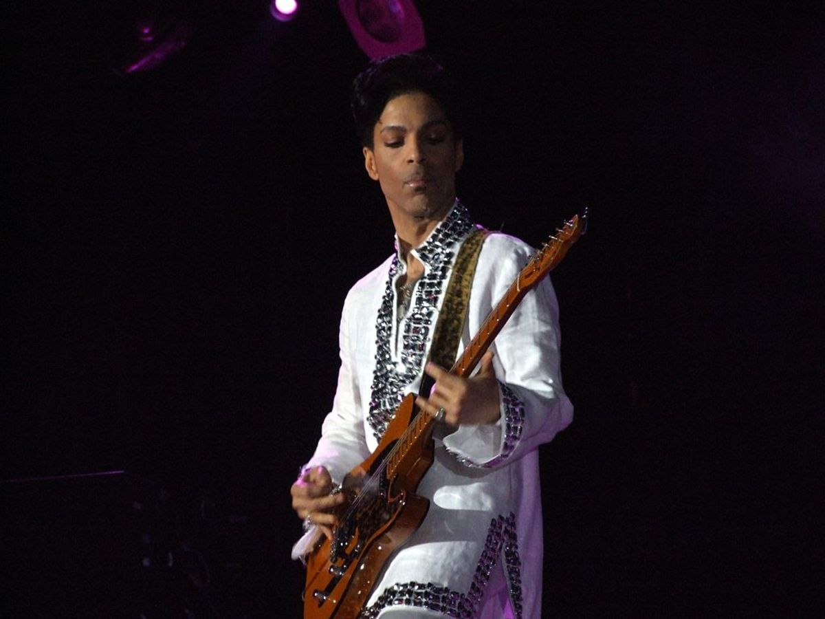 Prince performing at Coachella in 2008 (photo via Wikimedia Commons)
