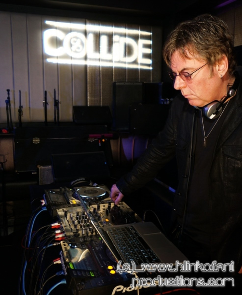 Andy Rourke (the Smiths), purveyor of audible treats.