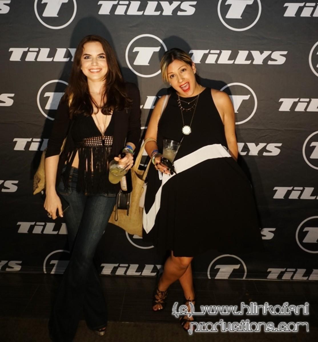 Team Fauxchella's: Kimberly Hall (KH) & Nicole Spiegel (NS)