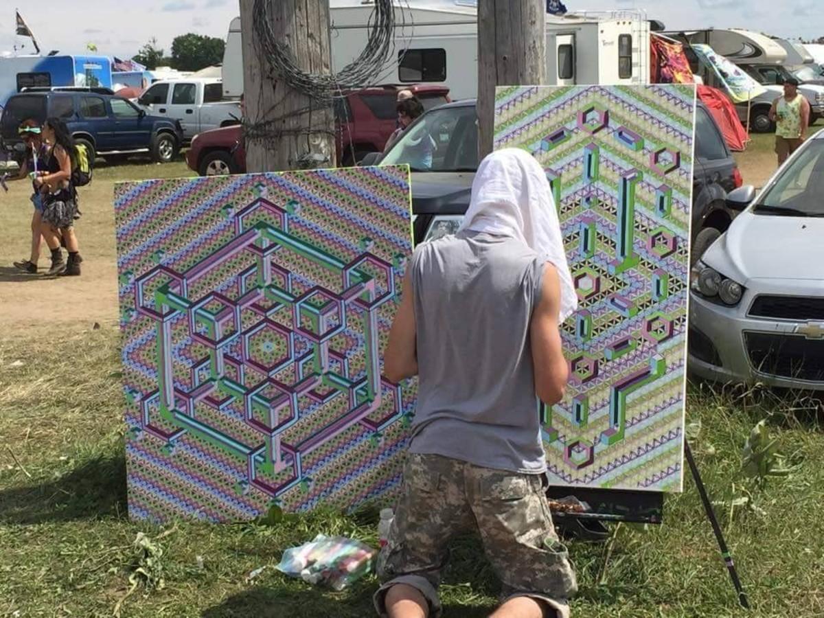 Steven Allen live painting at a festival