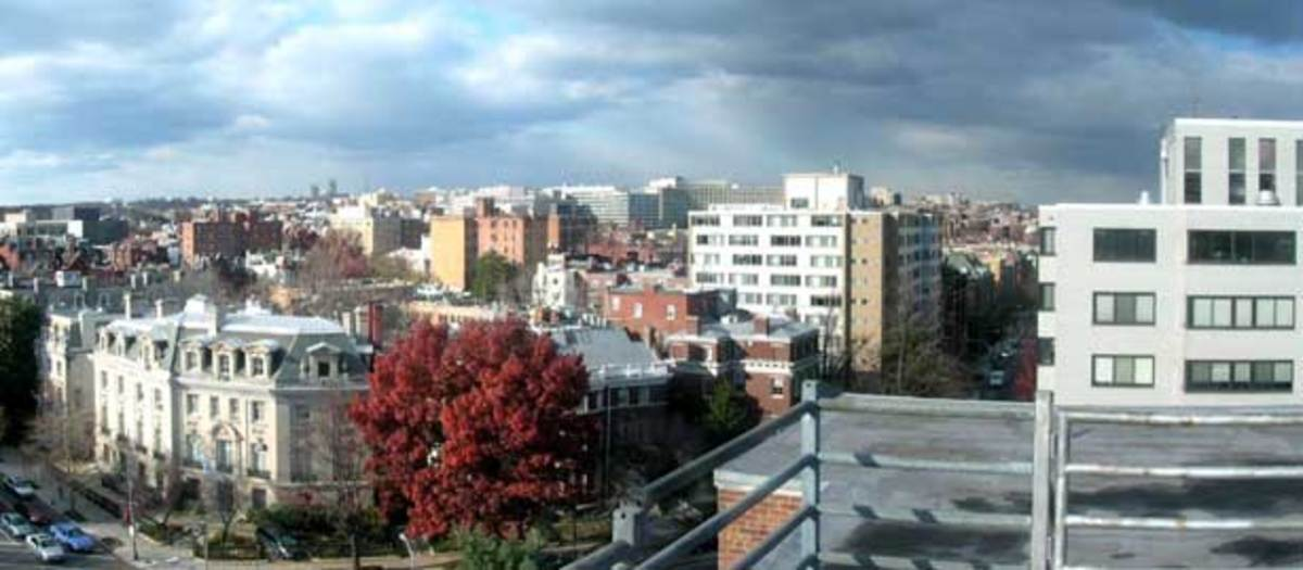 Rooftop_view_of_Dupont_Circle