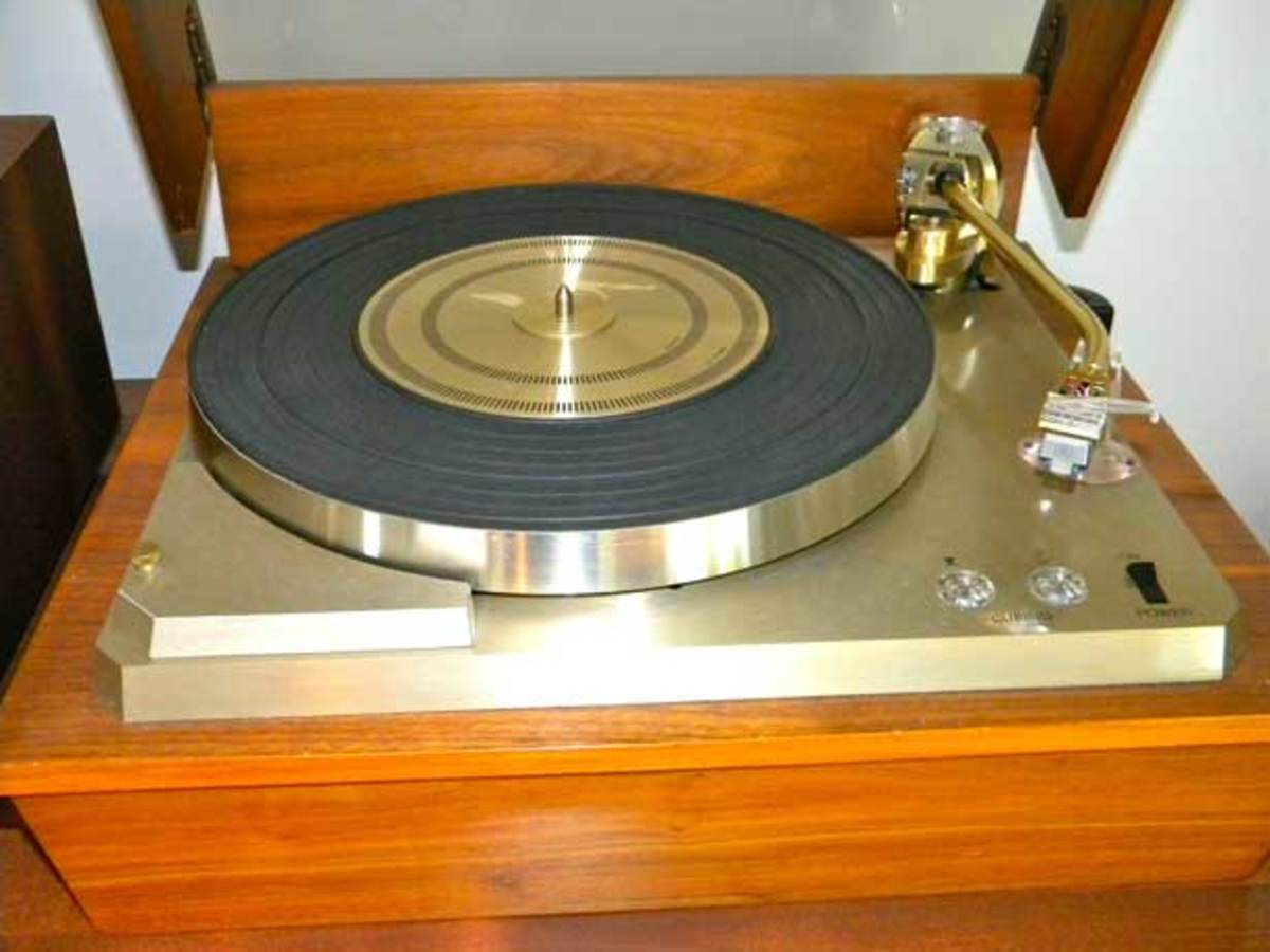 Empire 689 Turntable
